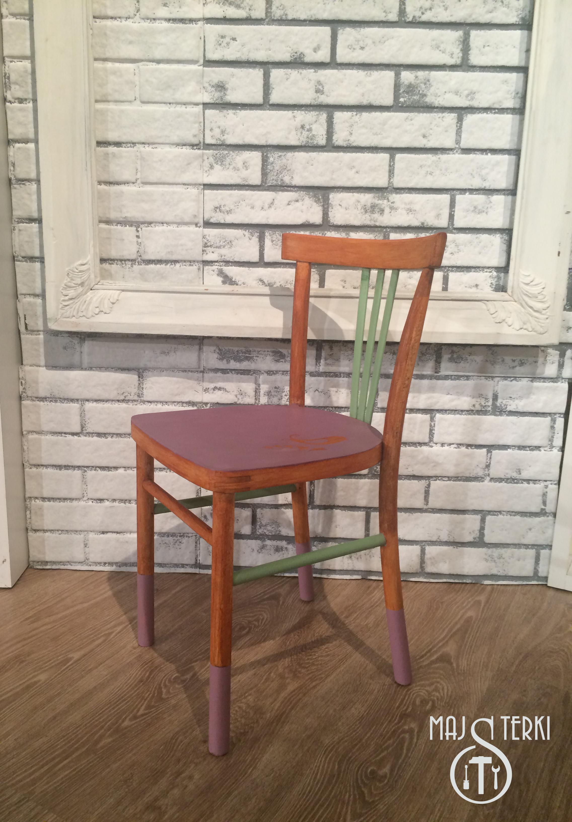 krzesło jasne gotowe