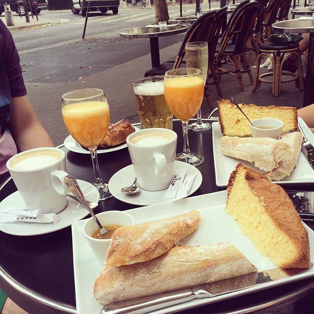 sniadanie w paryzu