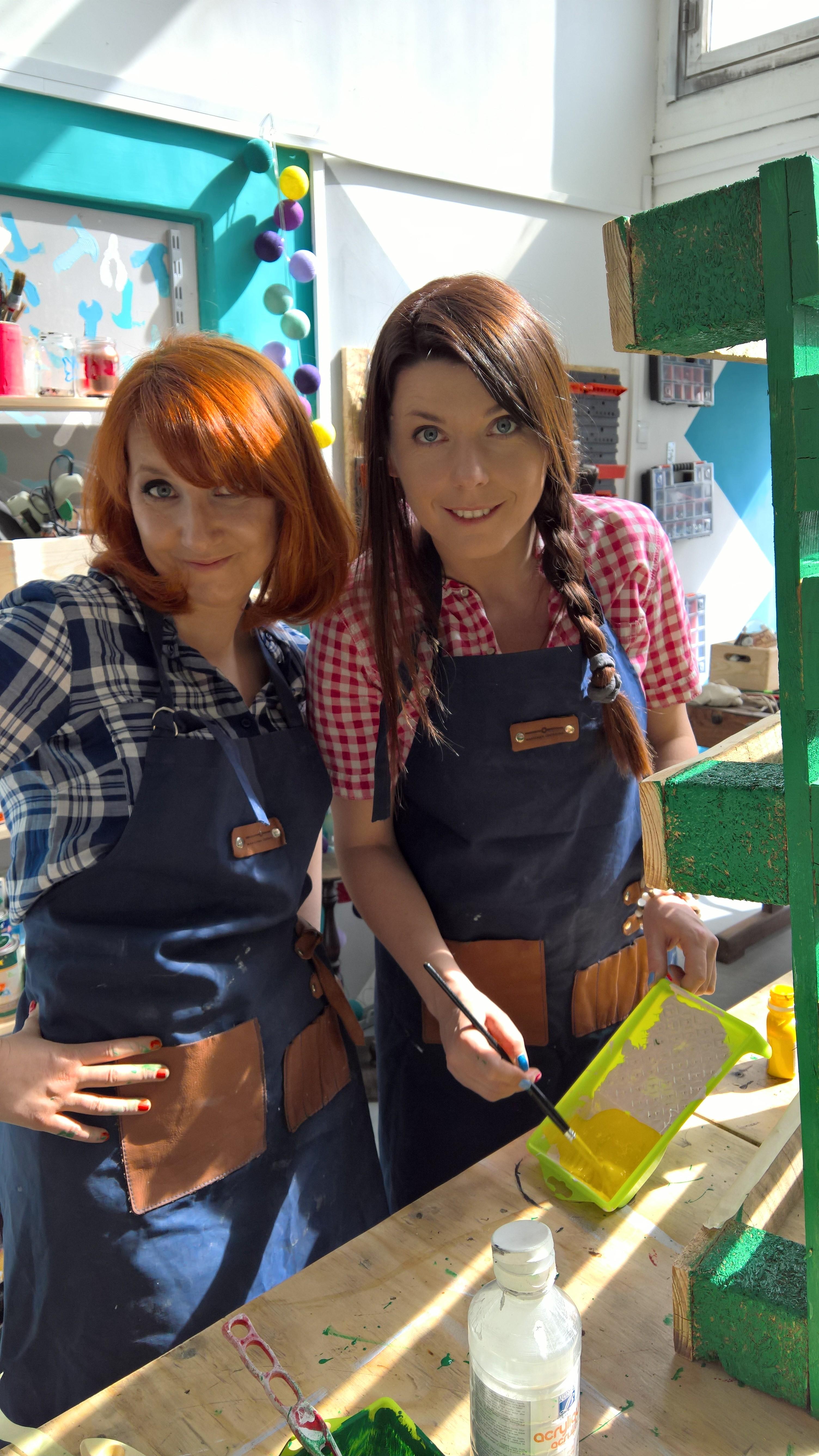 Basia i Sylwia przy pracy
