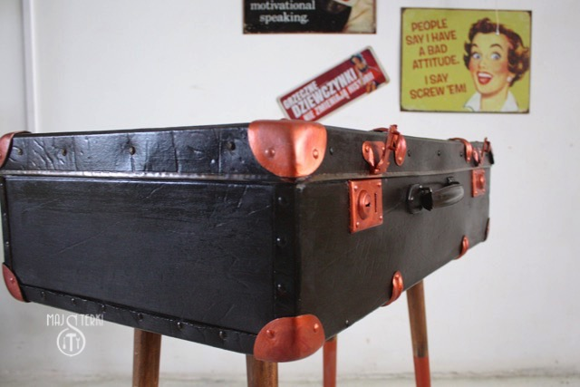walizka stolik majsterki 11